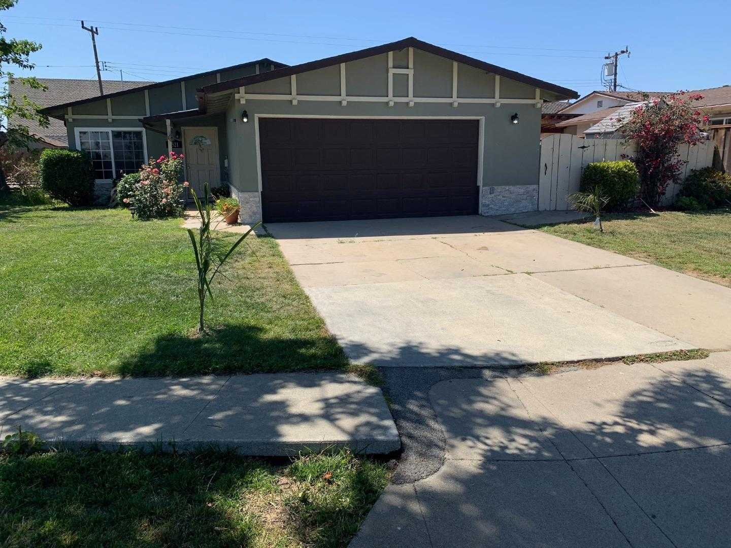$519,900 - 4Br/2Ba -  for Sale in Salinas