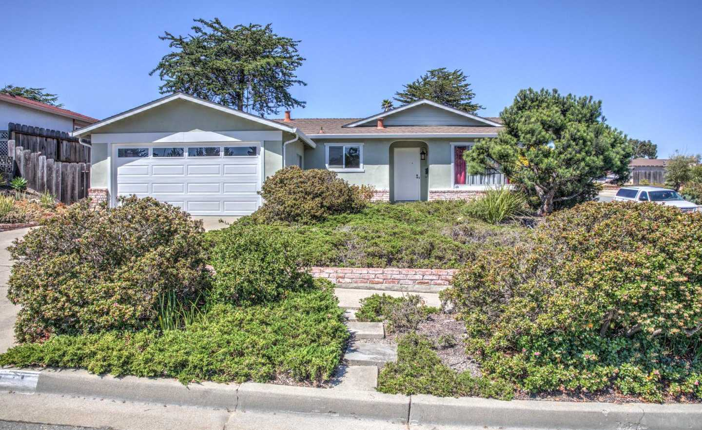 $665,000 - 4Br/2Ba -  for Sale in Marina