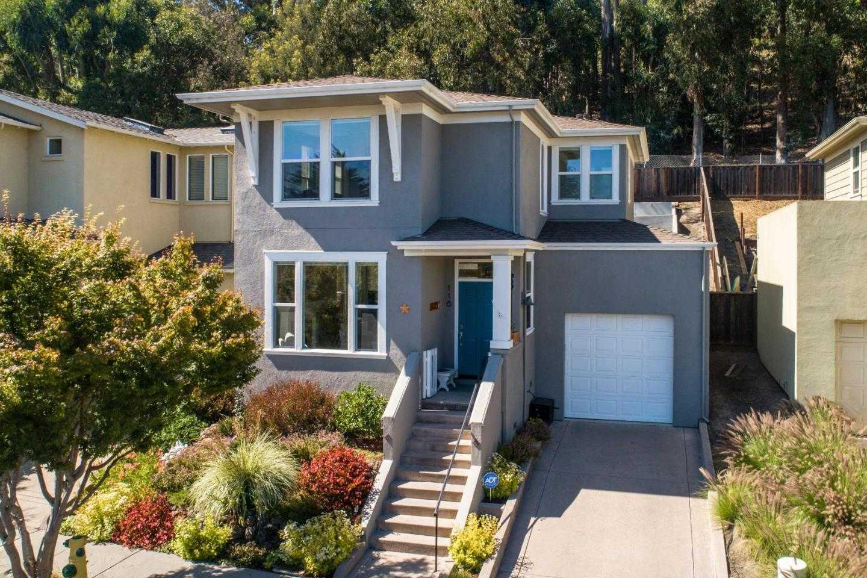 $1,050,000 - 2Br/3Ba -  for Sale in Santa Cruz