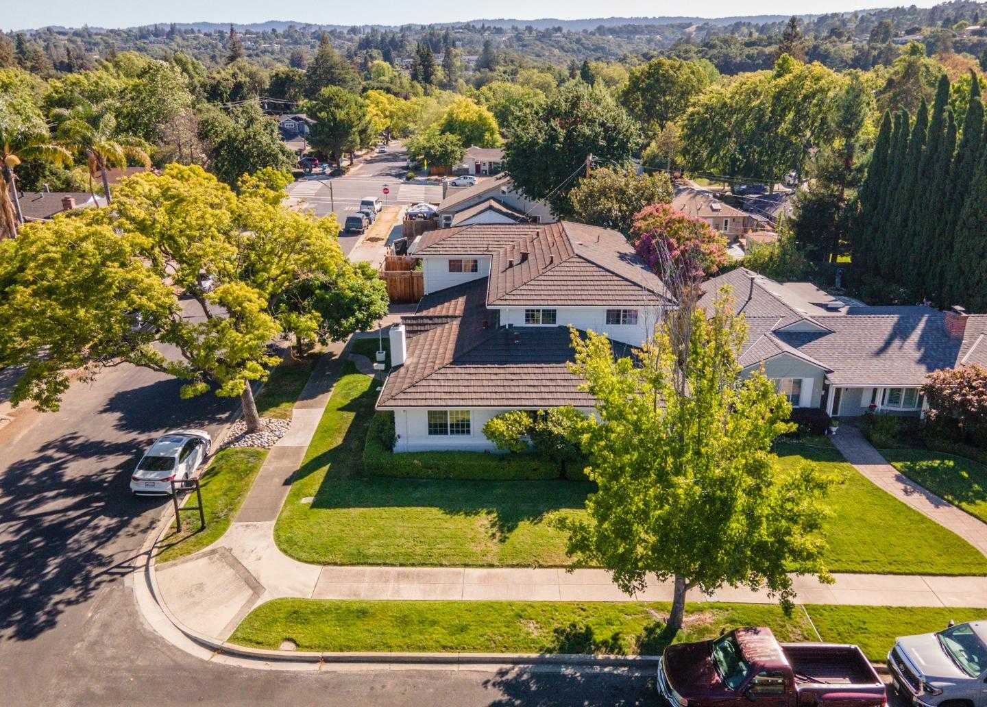 $2,488,800 - 5Br/4Ba -  for Sale in Redwood City