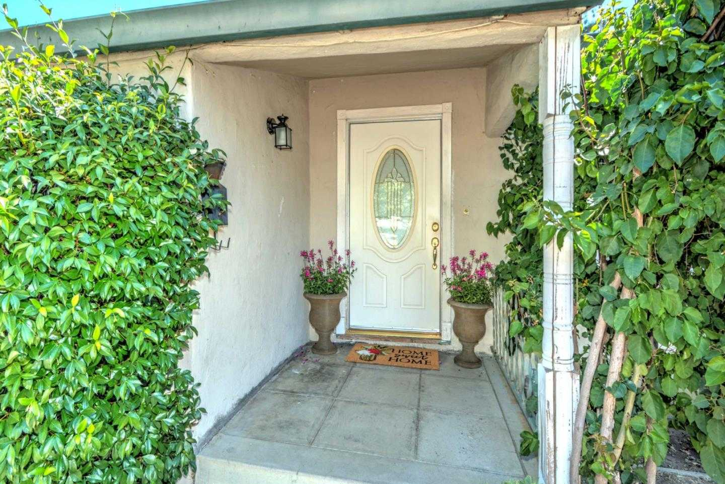 $1,300,000 - 3Br/2Ba -  for Sale in Campbell