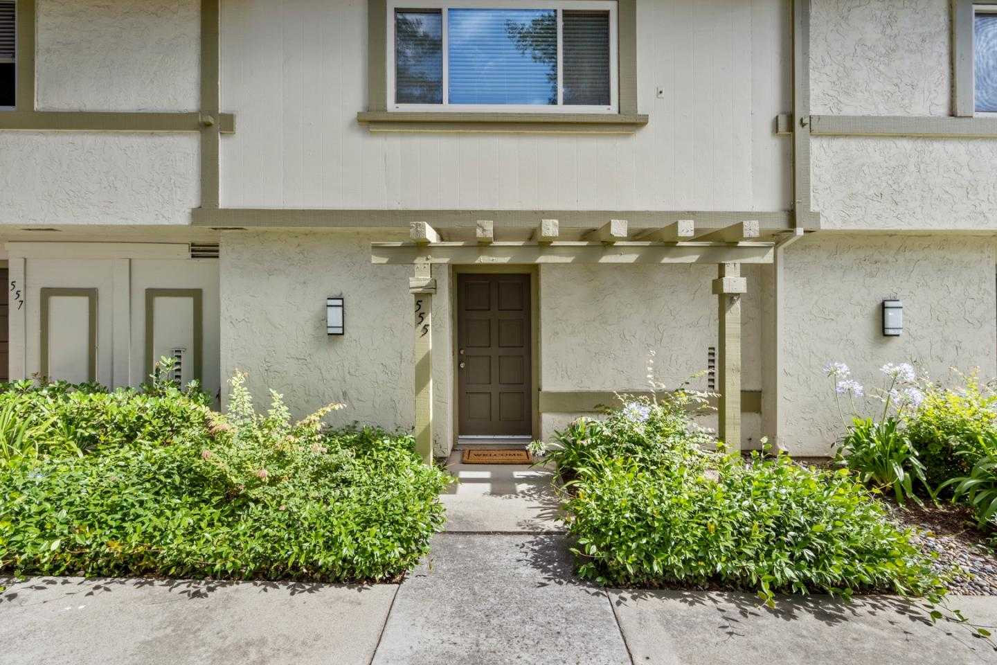 $879,000 - 2Br/3Ba -  for Sale in Campbell