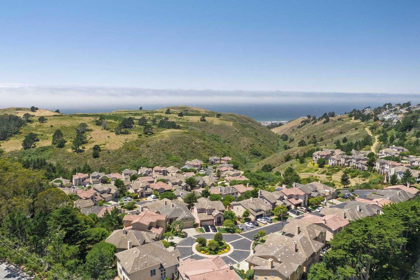 $1,599,000 - 4Br/3Ba -  for Sale in Pacifica