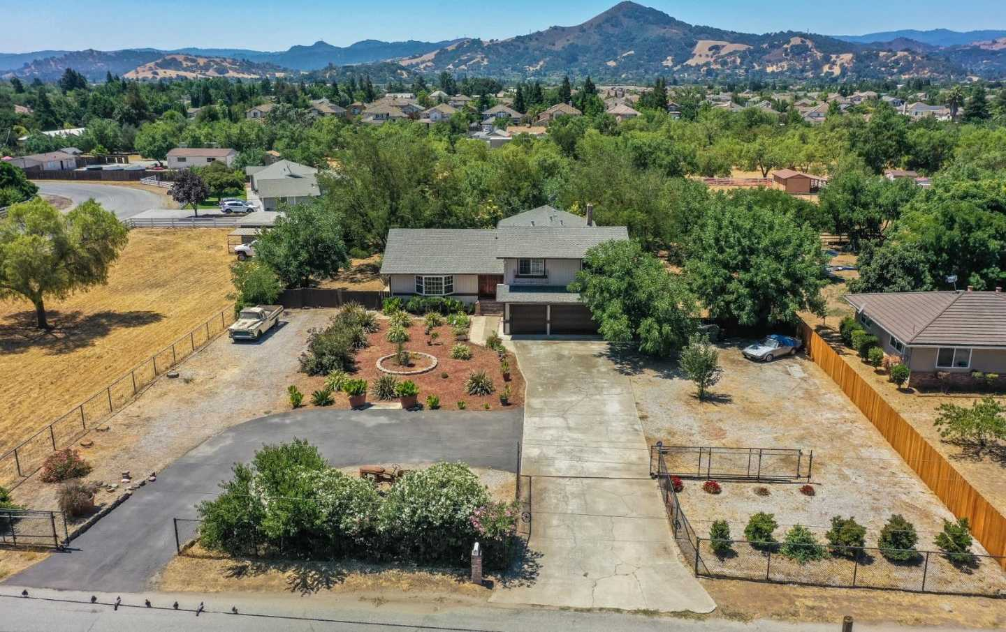 17675 Laurel RD MORGAN HILL, CA 95037