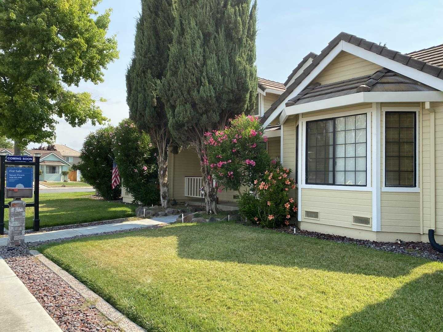 $687,000 - 4Br/2Ba -  for Sale in Hollister