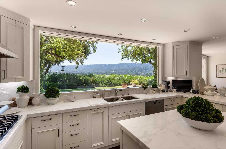 $7,295,000 - 4Br/5Ba -  for Sale in Portola Valley