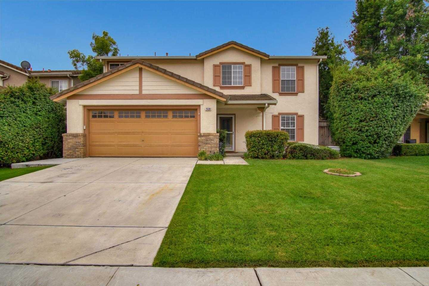 $689,000 - 4Br/3Ba -  for Sale in Hollister