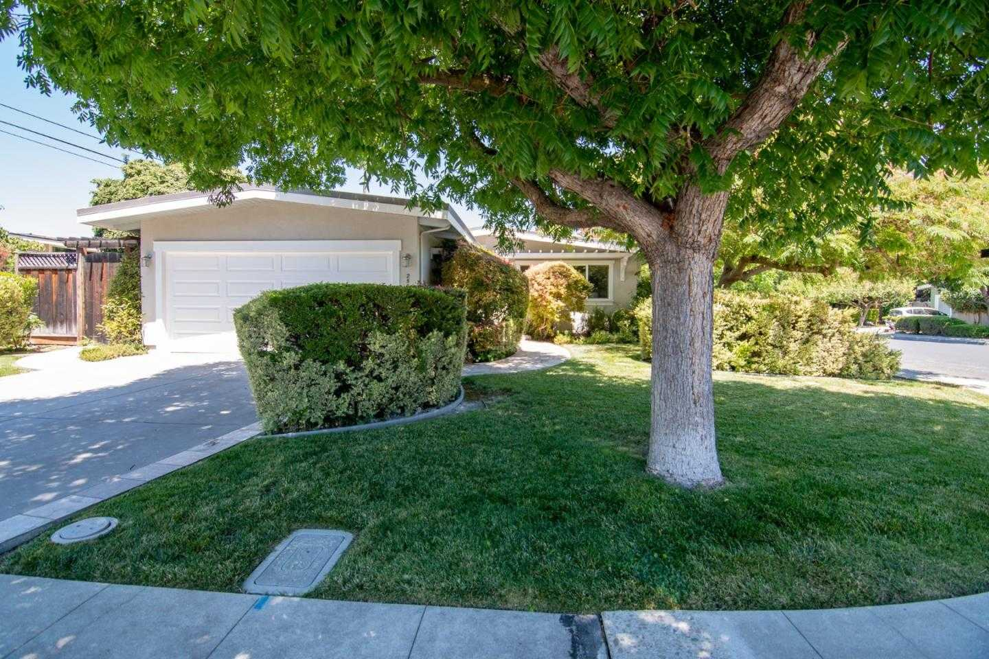 $1,749,000 - 3Br/2Ba -  for Sale in Mountain View
