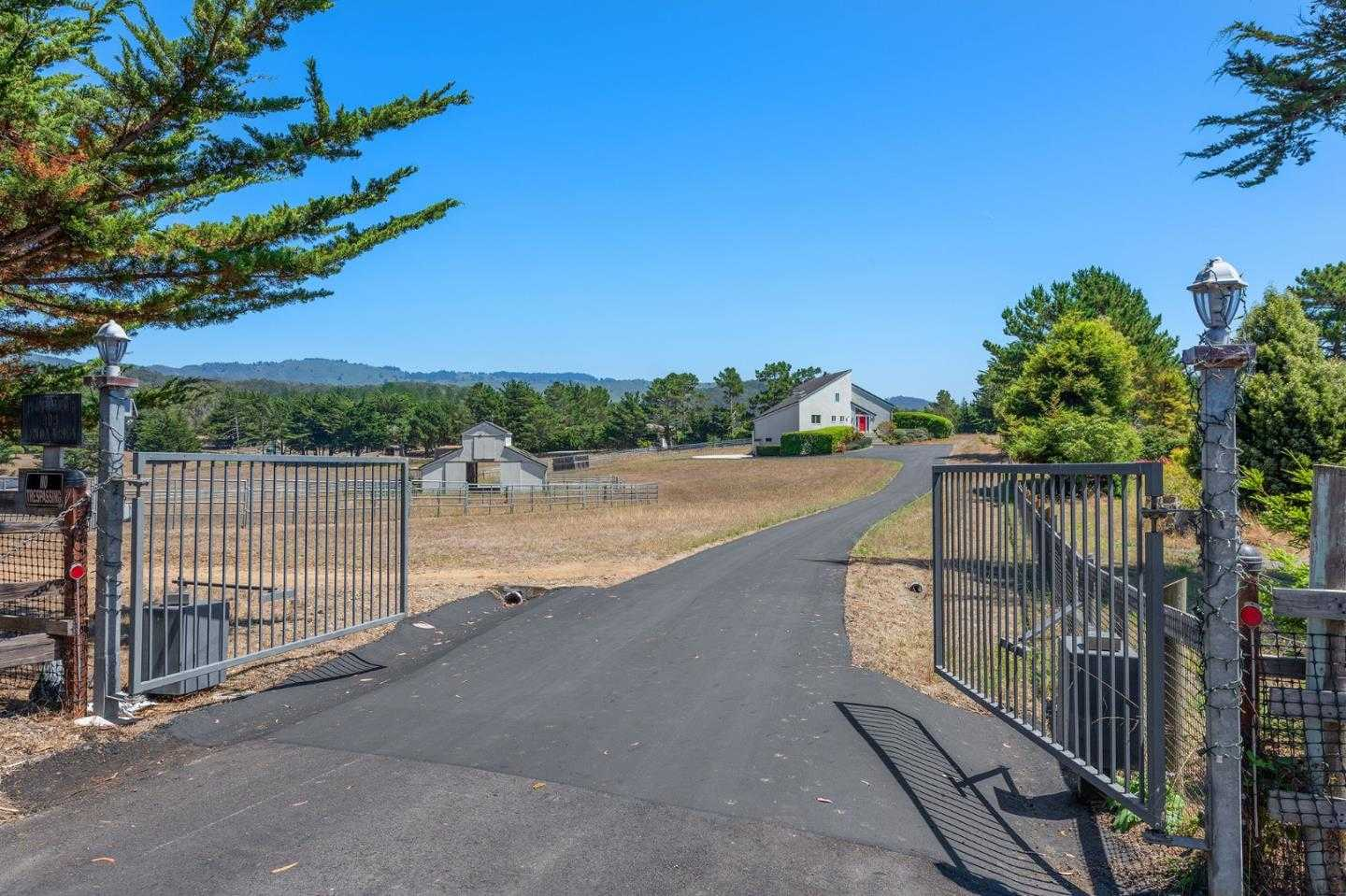 $3,000,000 - 4Br/3Ba -  for Sale in Moss Beach