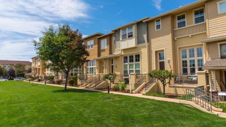 $1,295,000 - 2Br/3Ba -  for Sale in Redwood Shores