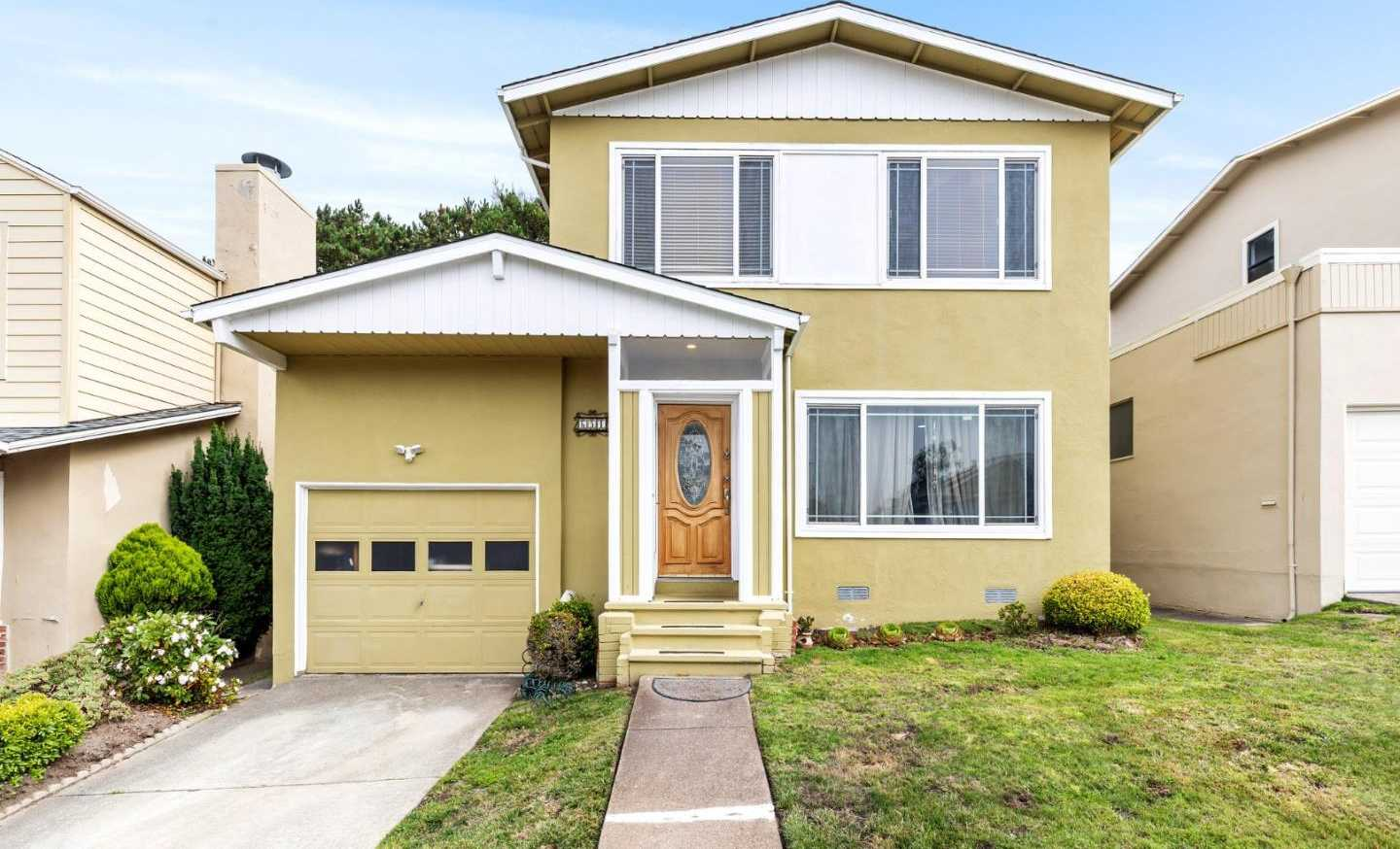 $988,000 - 3Br/2Ba -  for Sale in Pacifica