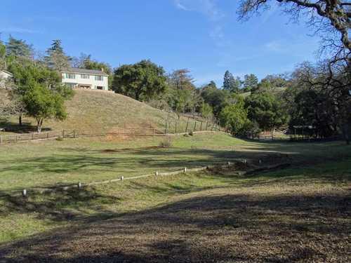 $6,495,000 - 5Br/3Ba -  for Sale in Los Altos Hills