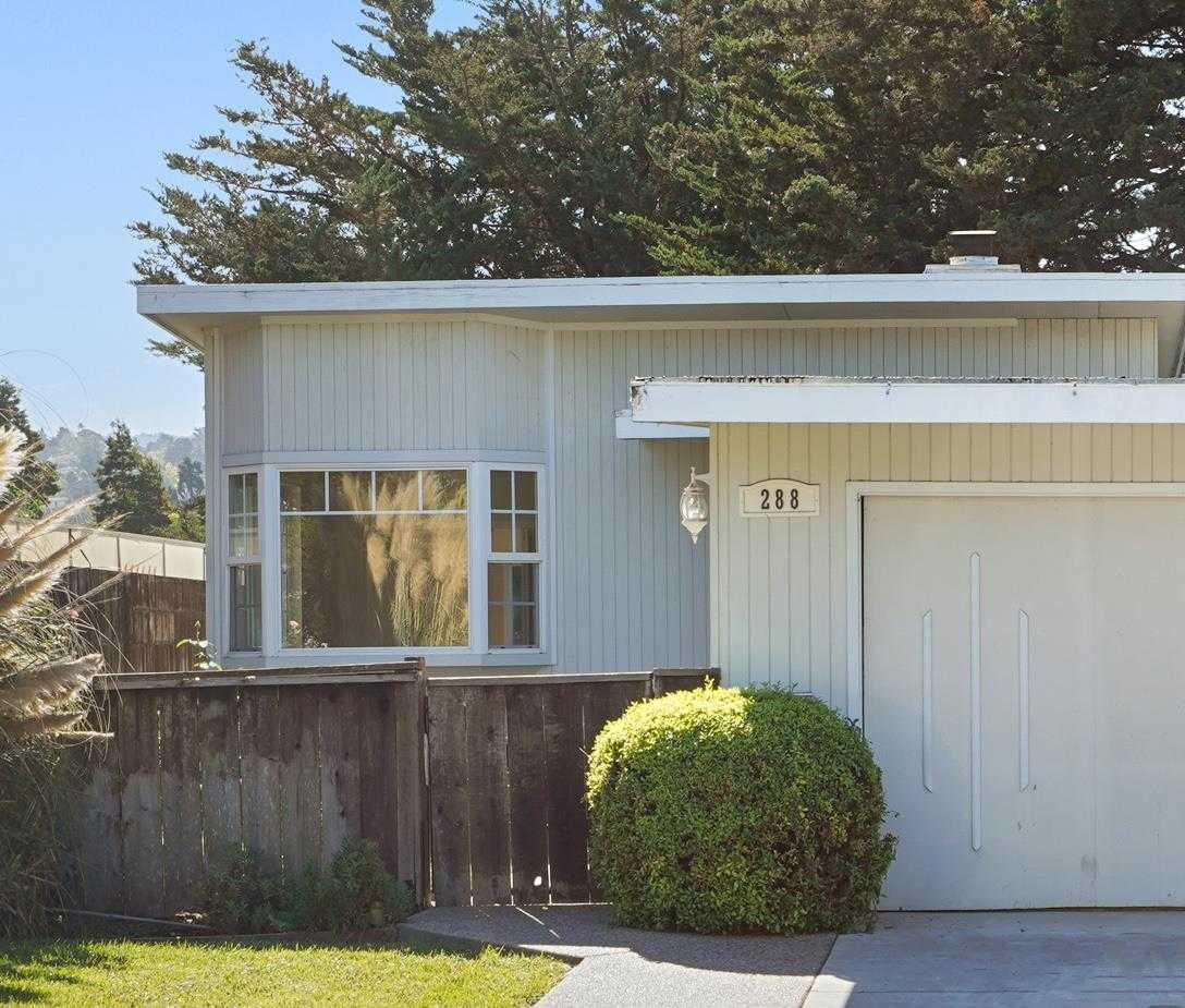 288 Hillview Ave Redwood City, CA 94062