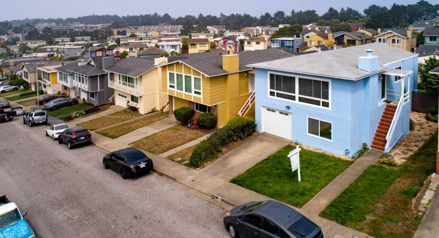 $1,088,000 - 5Br/3Ba -  for Sale in Pacifica