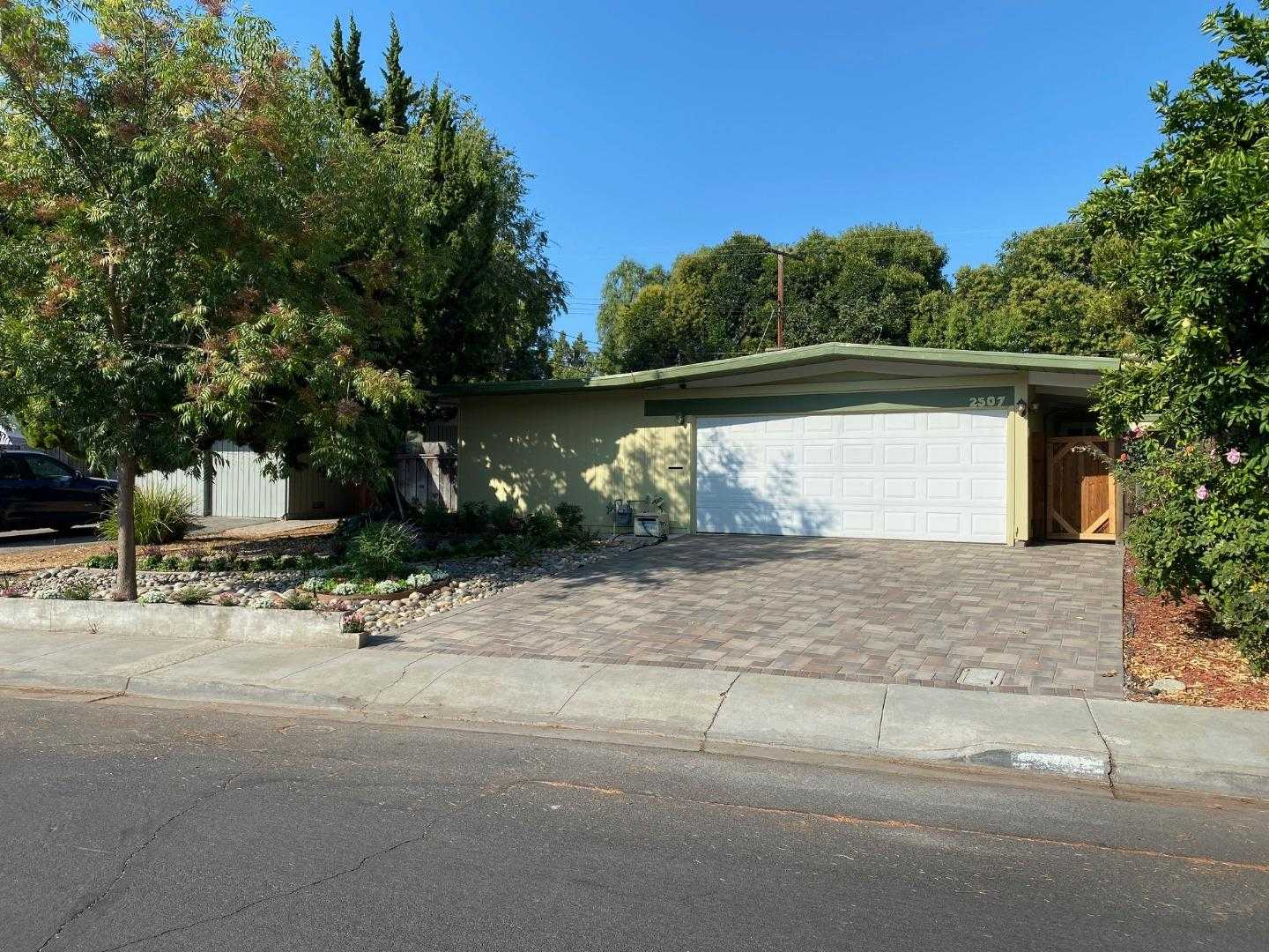 $1,999,999 - 3Br/2Ba -  for Sale in Mountain View
