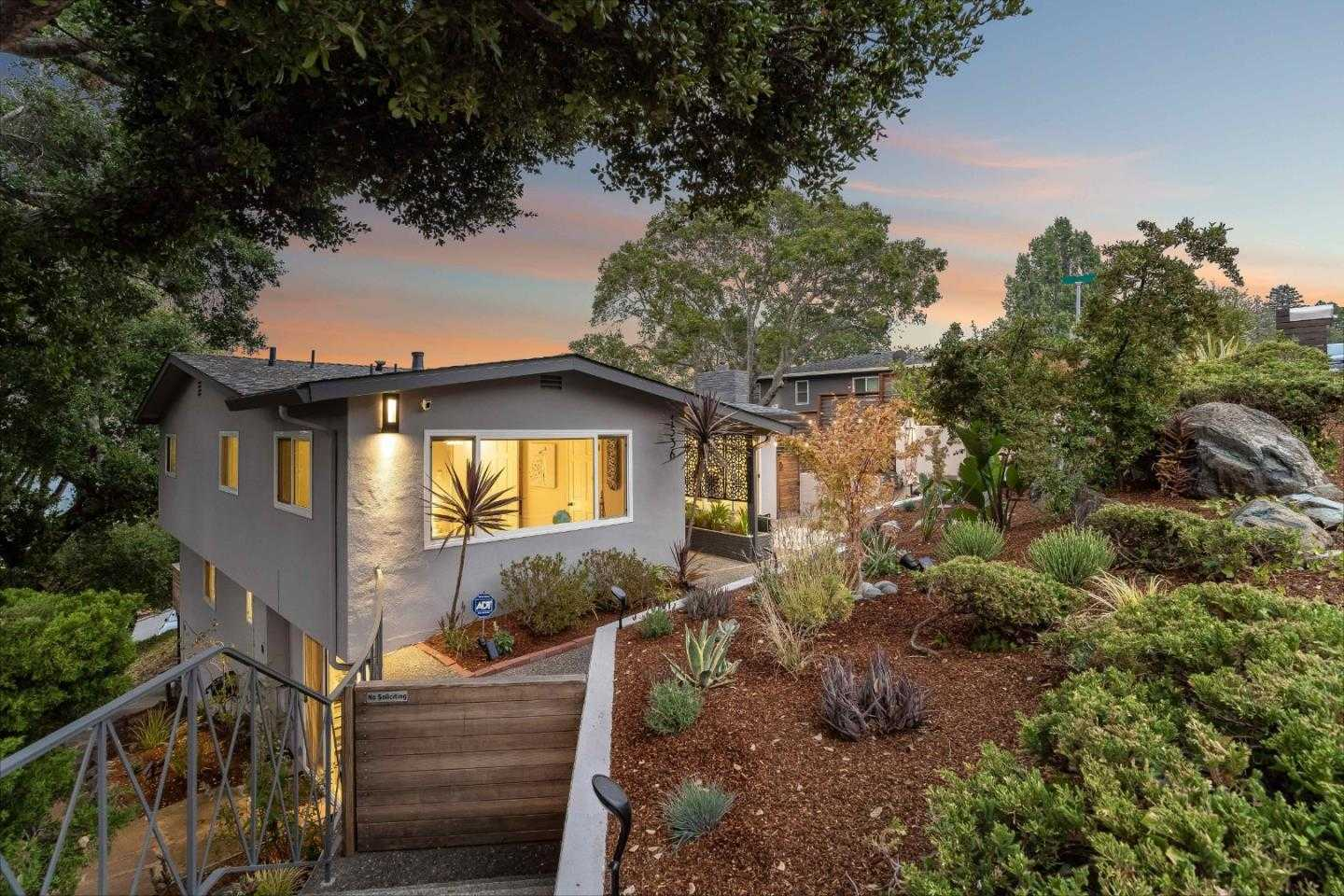 $2,268,000 - 3Br/3Ba -  for Sale in Burlingame