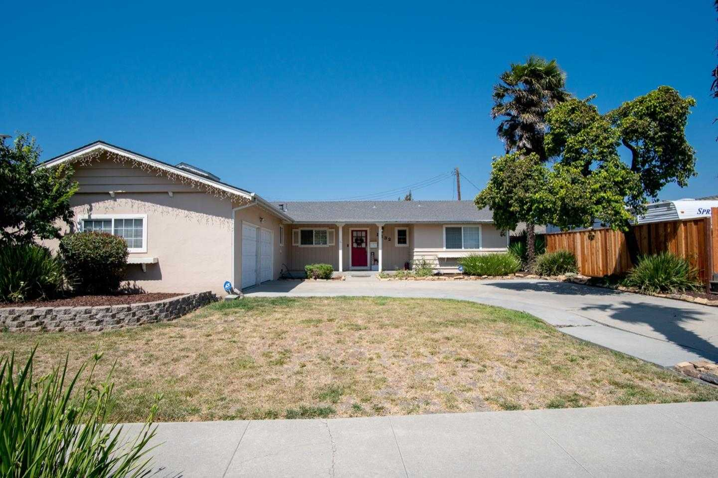 $649,000 - 4Br/2Ba -  for Sale in Salinas