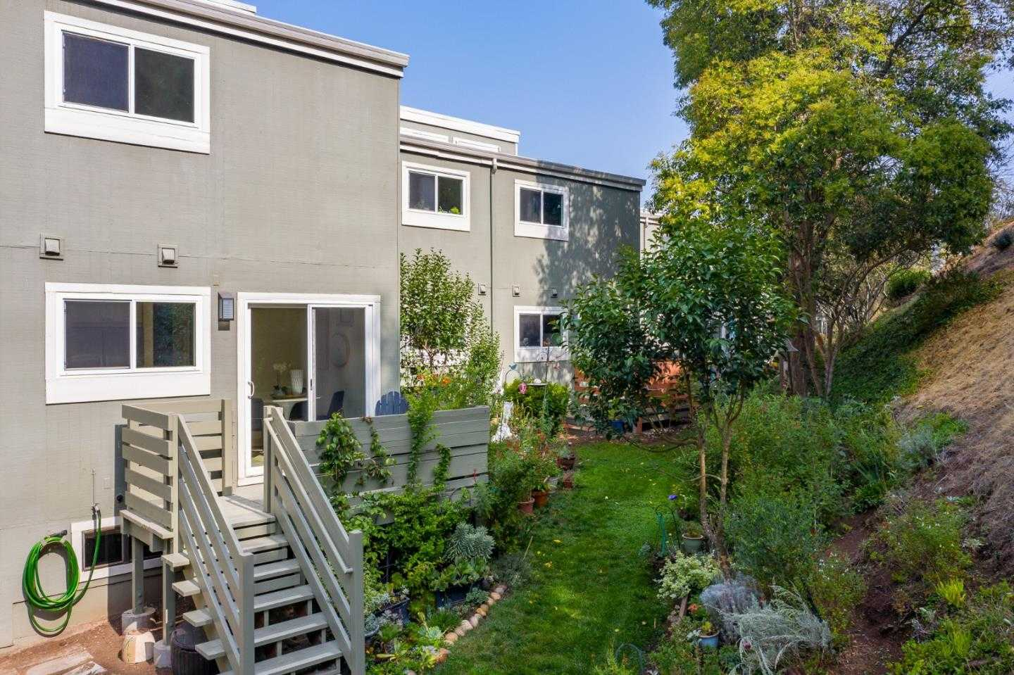 $989,000 - 2Br/2Ba -  for Sale in Redwood City