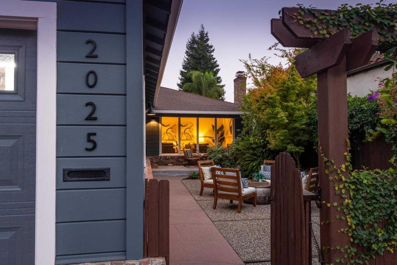 2025 Greenwood AVE SAN CARLOS, CA 94070