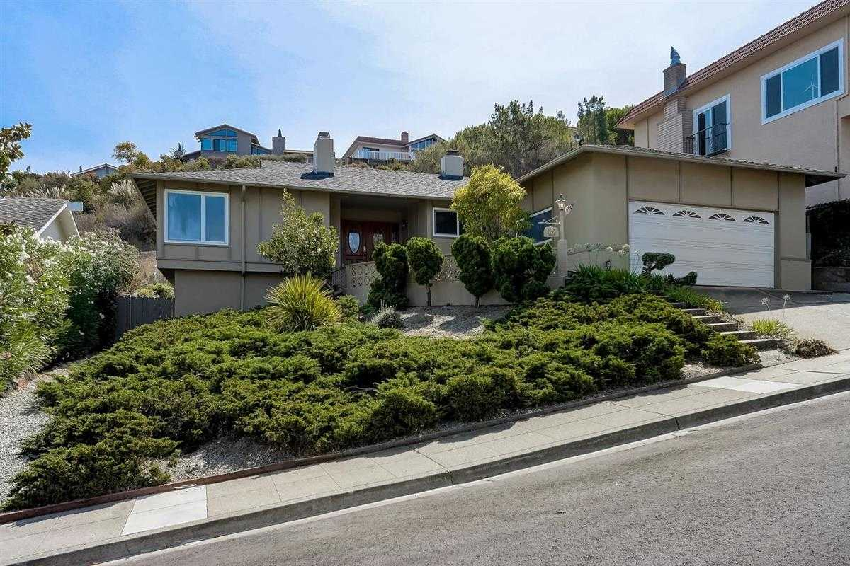 $2,535,000 - 3Br/2Ba -  for Sale in Millbrae
