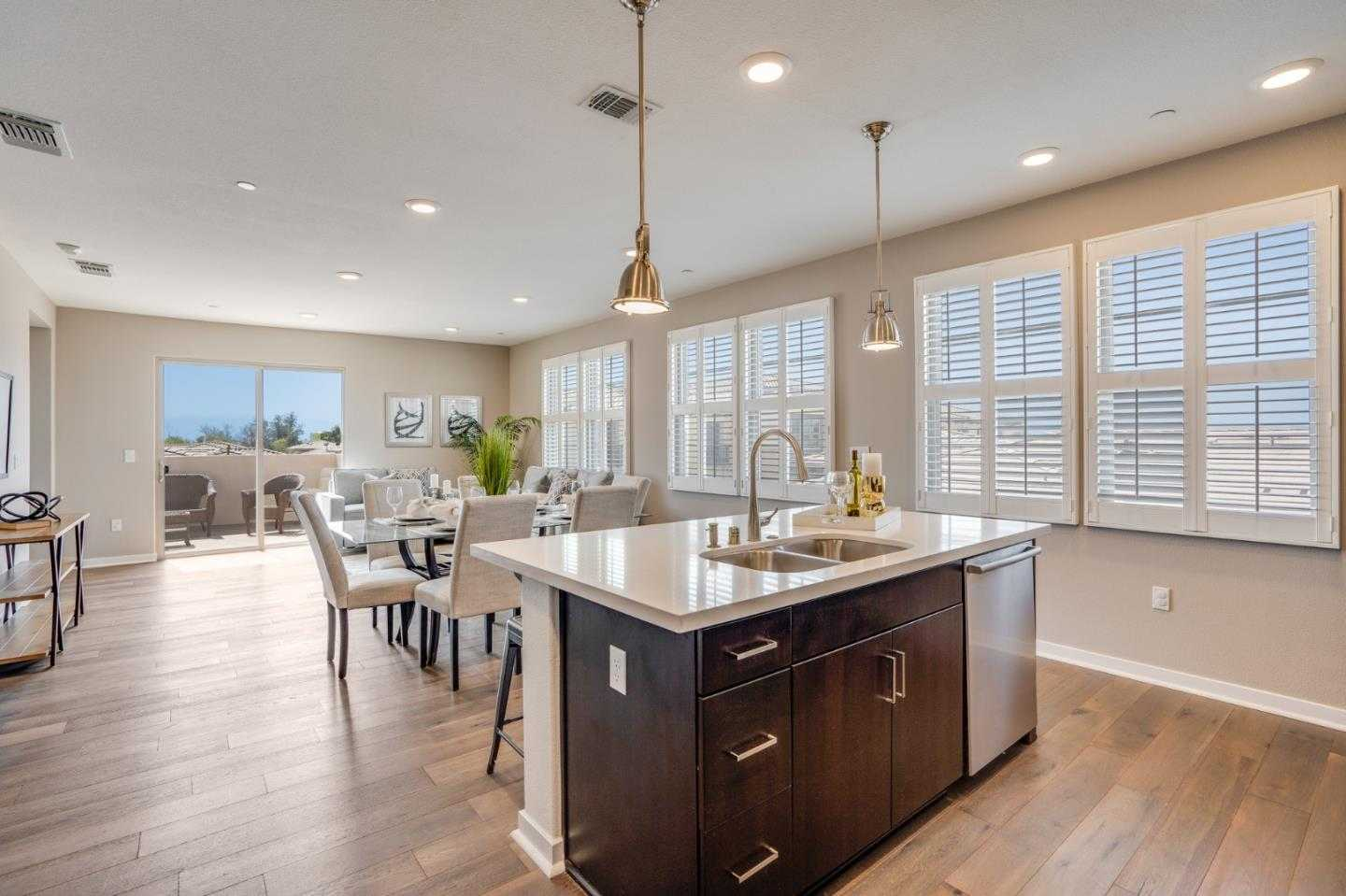 $998,000 - 4Br/3Ba -  for Sale in San Jose