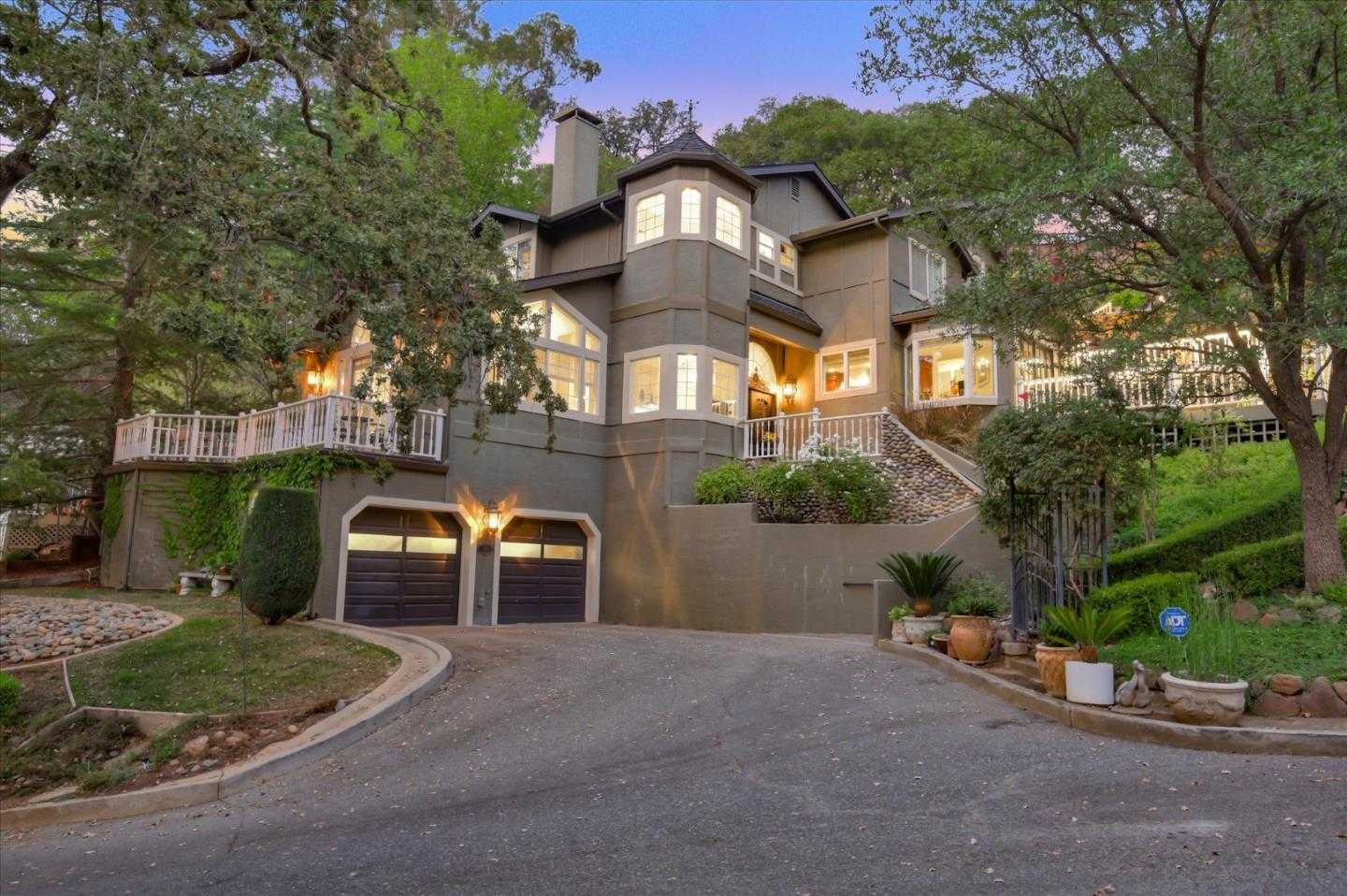 $2,989,000 - 4Br/3Ba -  for Sale in Los Gatos