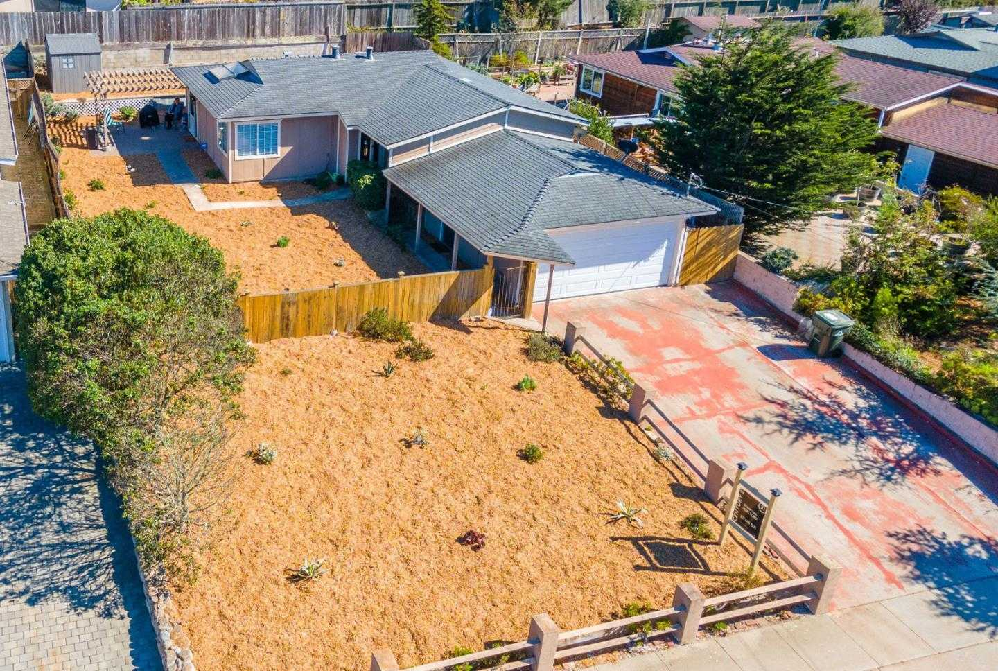 $587,500 - 3Br/1Ba -  for Sale in Marina