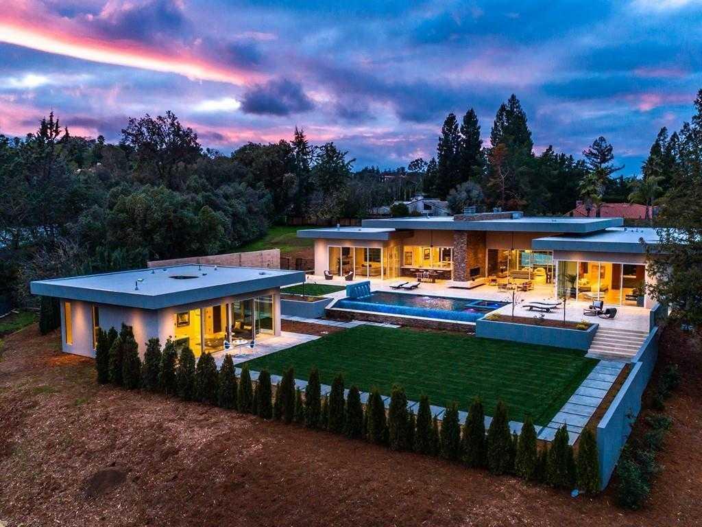 $7,850,000 - 5Br/6Ba -  for Sale in Los Altos Hills
