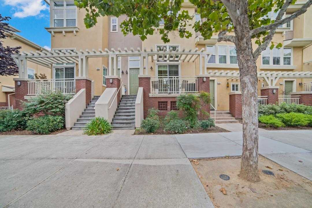 $799,000 - 2Br/3Ba -  for Sale in San Jose