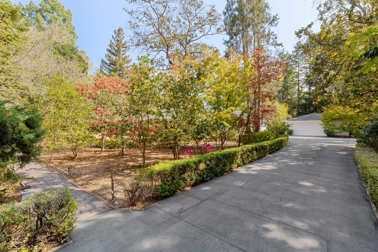 $5,280,000 - 3Br/4Ba -  for Sale in Atherton