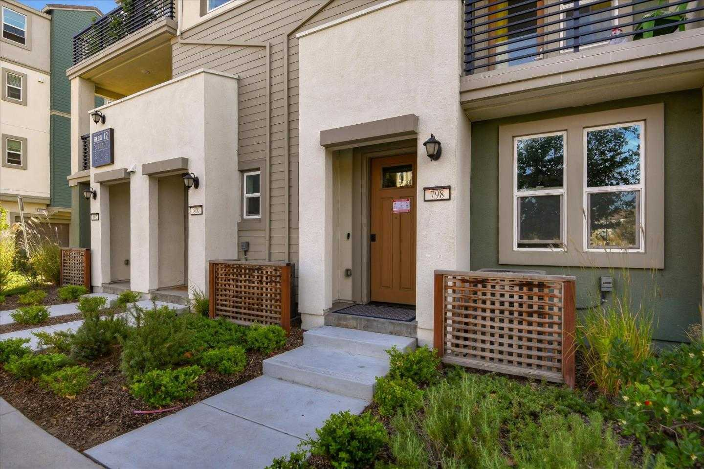 $939,000 - 3Br/3Ba -  for Sale in Milpitas
