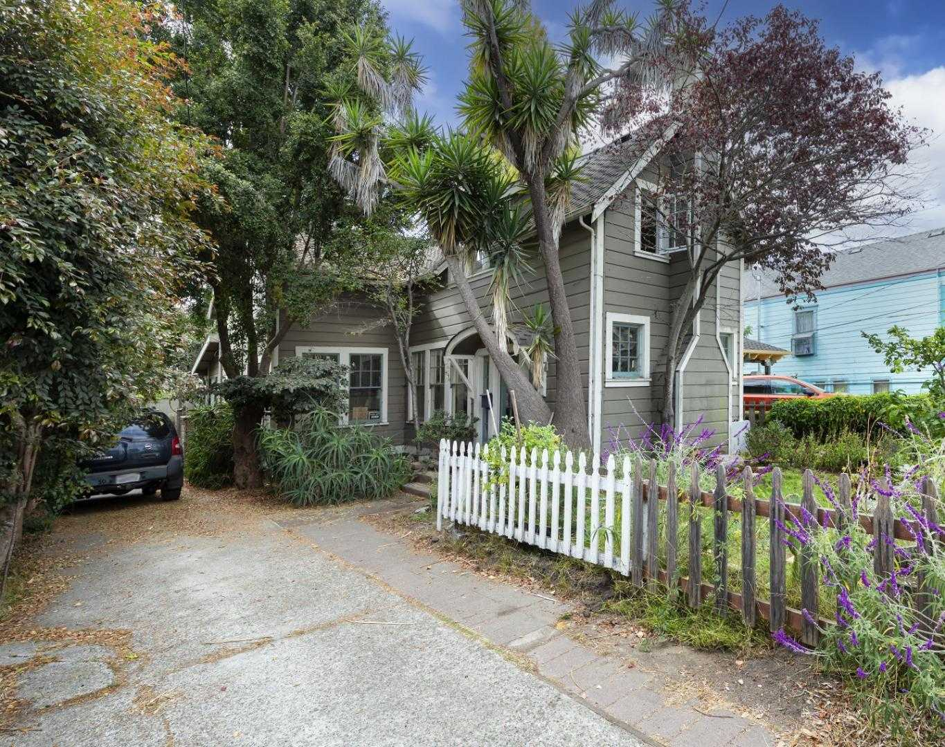 $1,399,000 - 4Br/2Ba -  for Sale in Santa Cruz