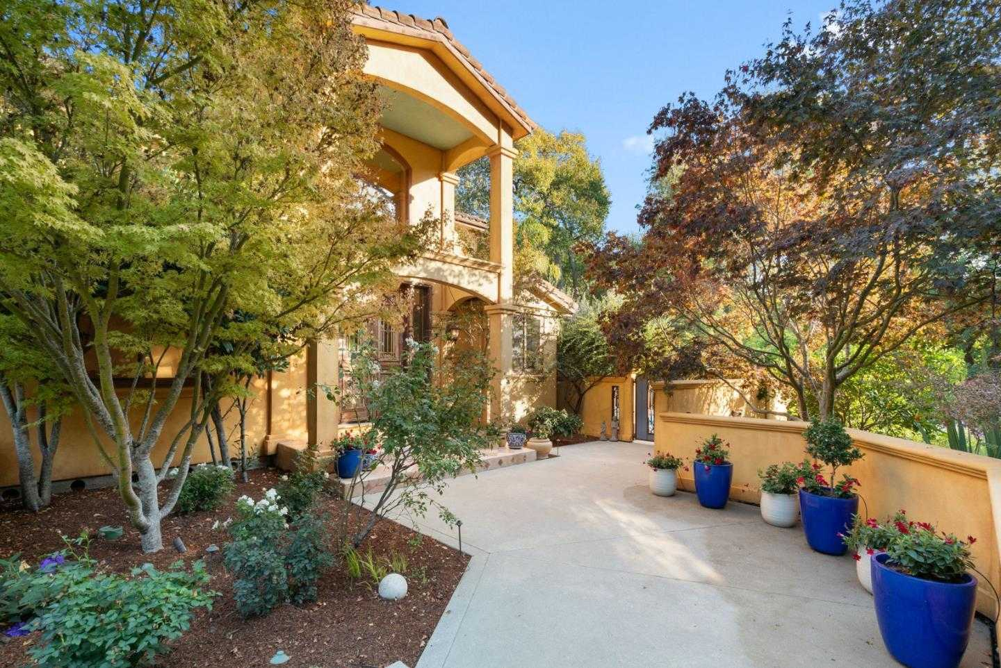 $2,750,000 - 3Br/3Ba -  for Sale in Soquel