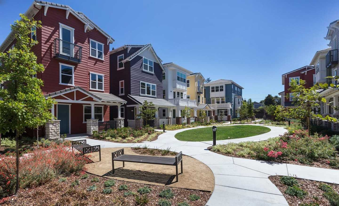 $1,961,076 - 3Br/4Ba -  for Sale in Mountain View