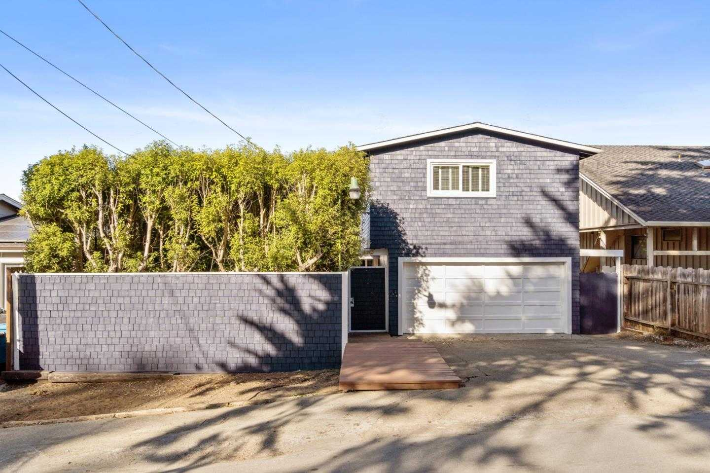 $1,169,000 - 4Br/2Ba -  for Sale in Montara
