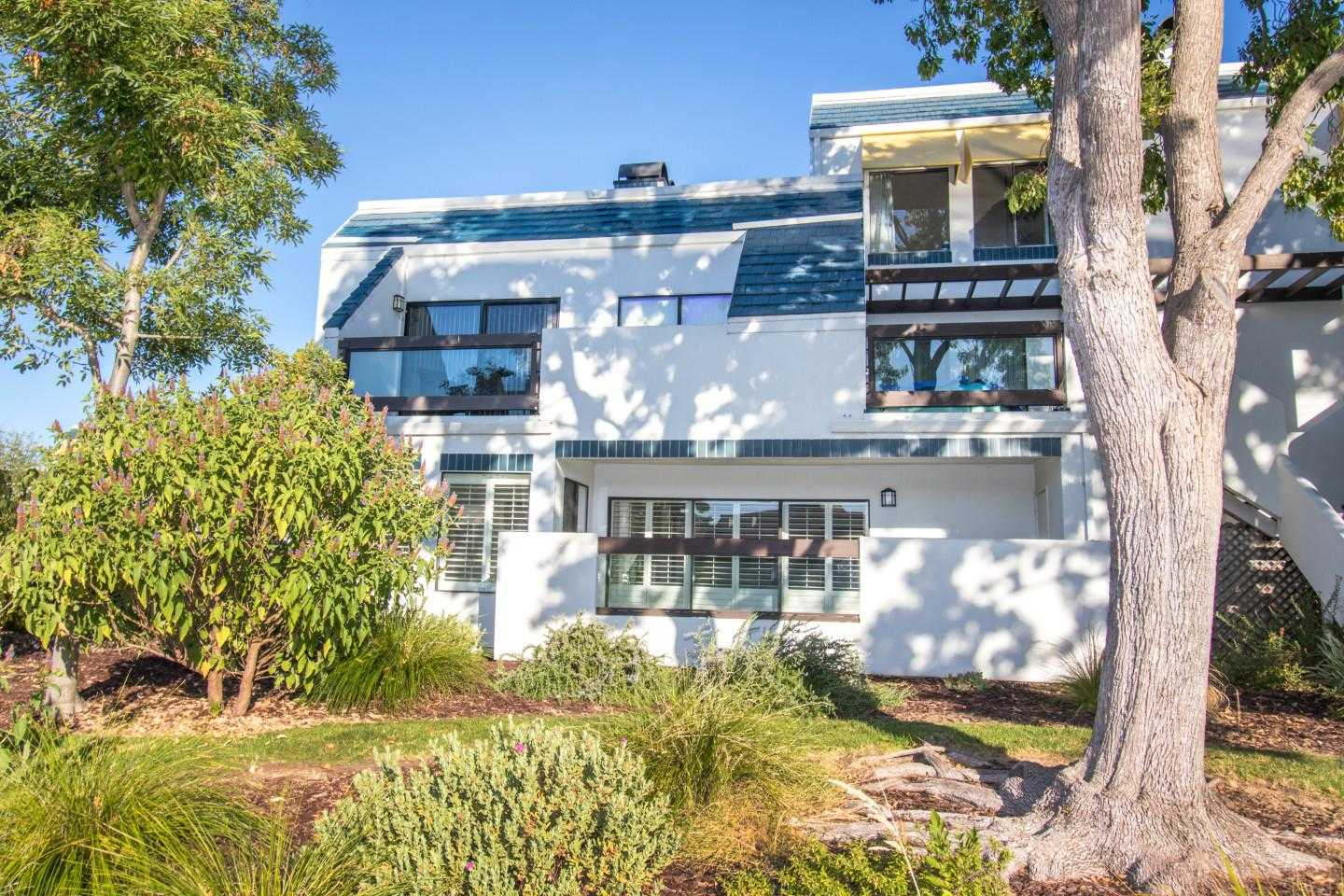 $1,150,000 - 2Br/2Ba -  for Sale in Foster City