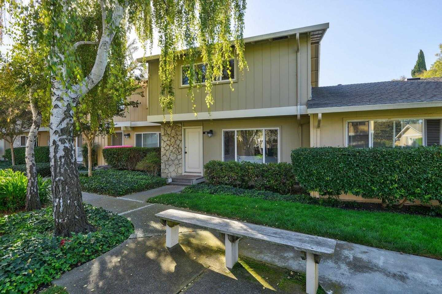 $1,288,000 - 3Br/3Ba -  for Sale in Mountain View