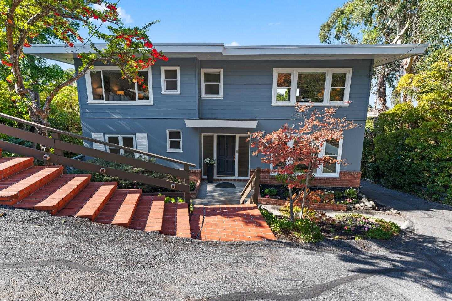 $2,200,000 - 3Br/4Ba -  for Sale in Burlingame