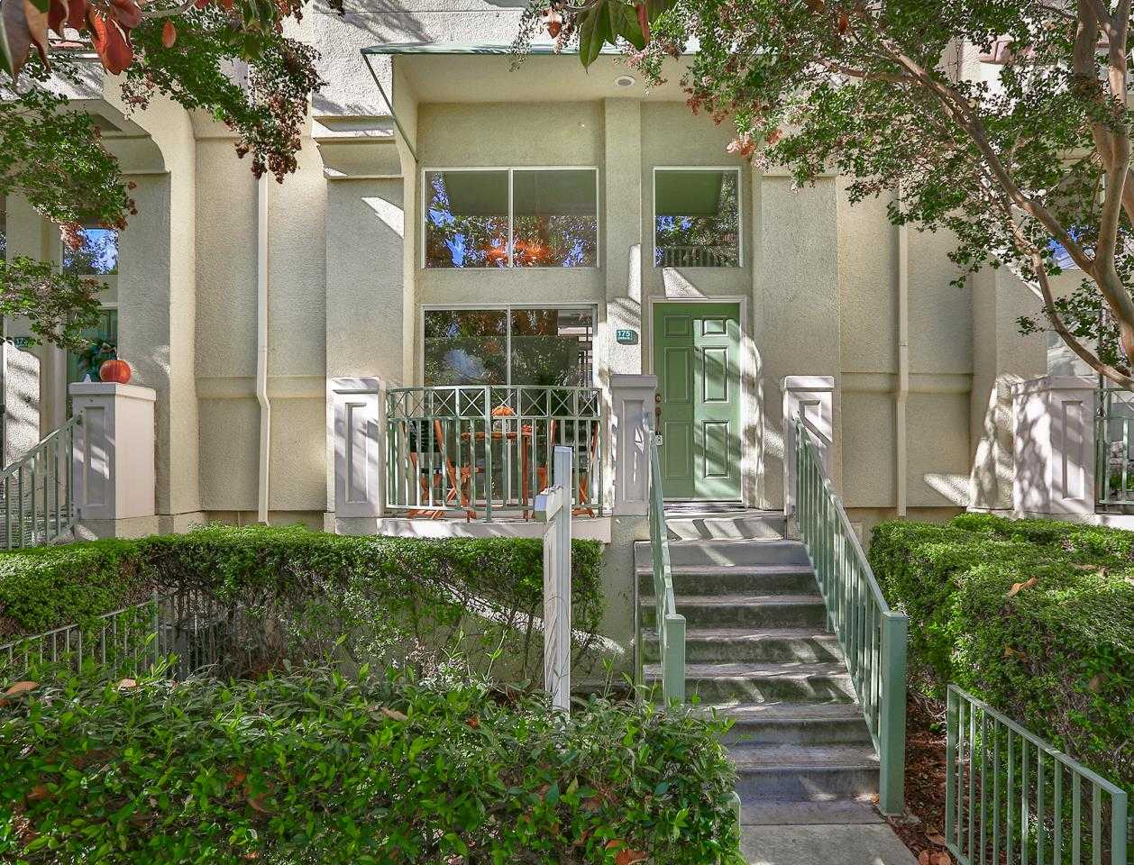 $1,386,000 - 3Br/3Ba -  for Sale in Mountain View