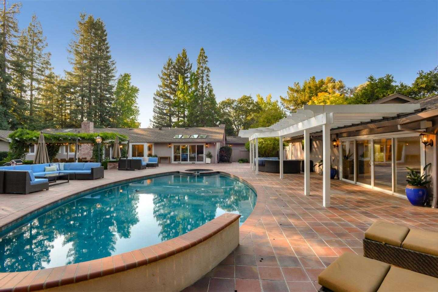 $6,495,000 - 5Br/4Ba -  for Sale in Atherton