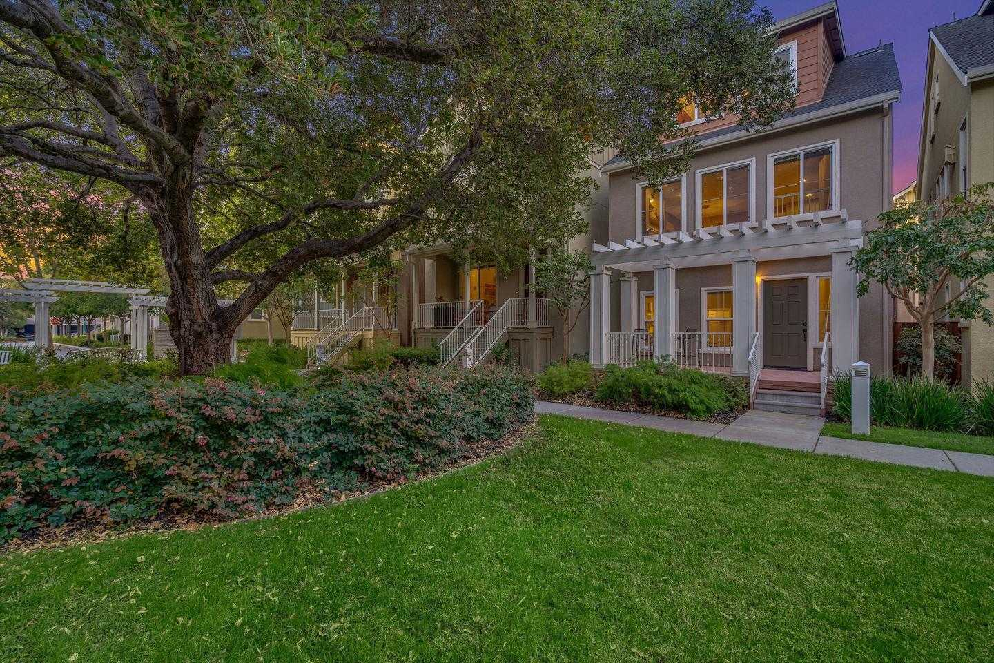 $1,969,000 - 3Br/4Ba -  for Sale in Mountain View