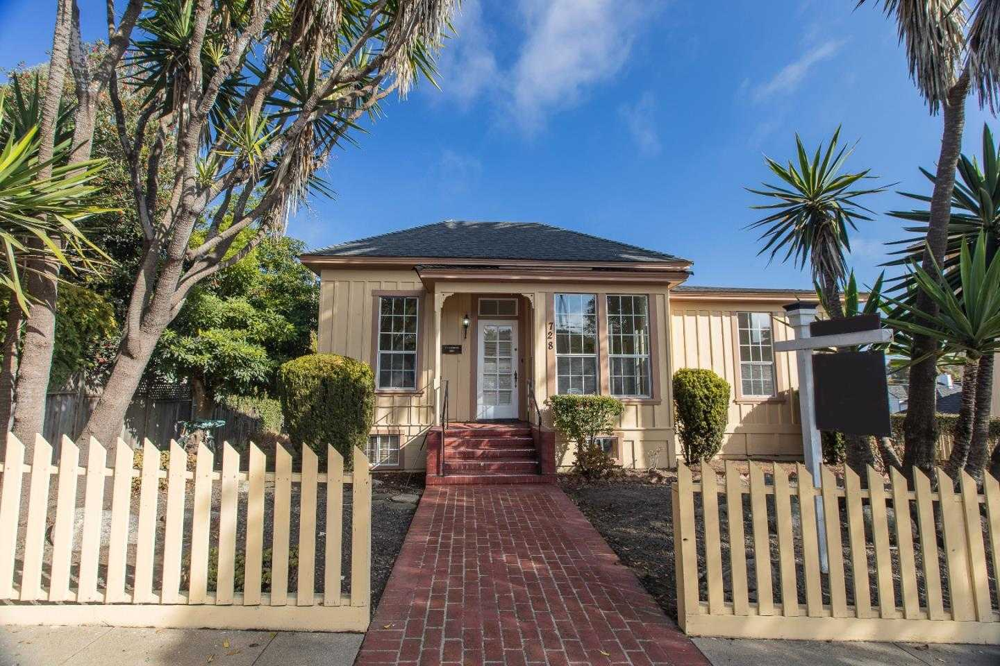 $1,375,000 - 3Br/2Ba -  for Sale in Pacific Grove