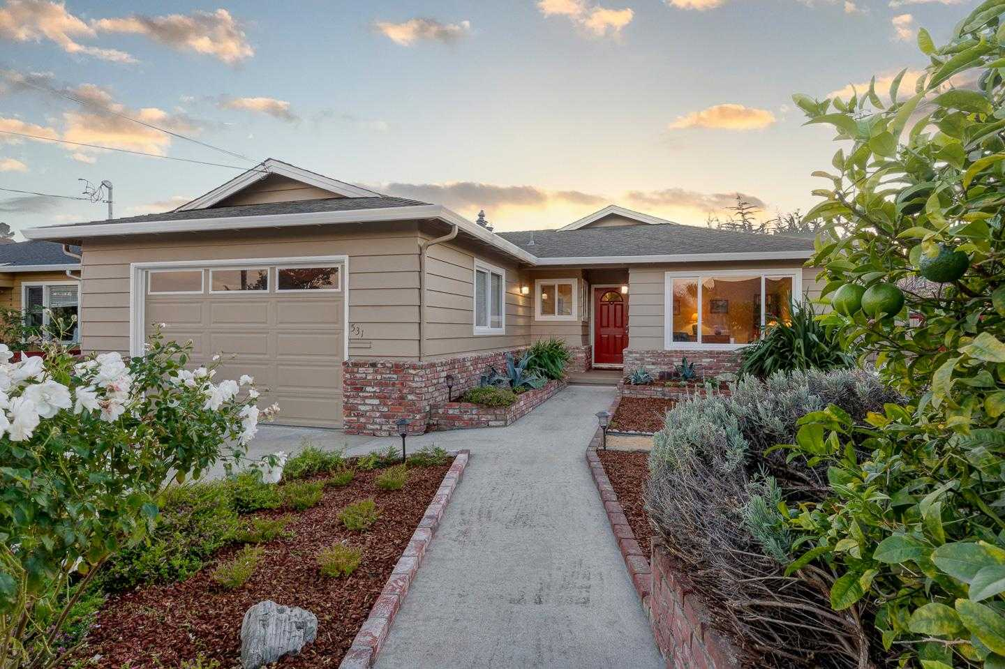 $1,425,000 - 3Br/2Ba -  for Sale in Santa Cruz