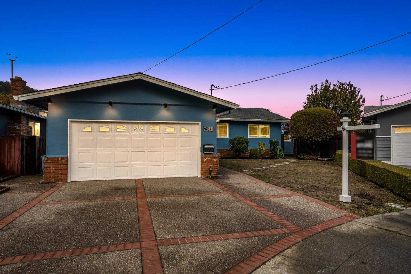 $1,250,000 - 3Br/2Ba -  for Sale in Pacifica