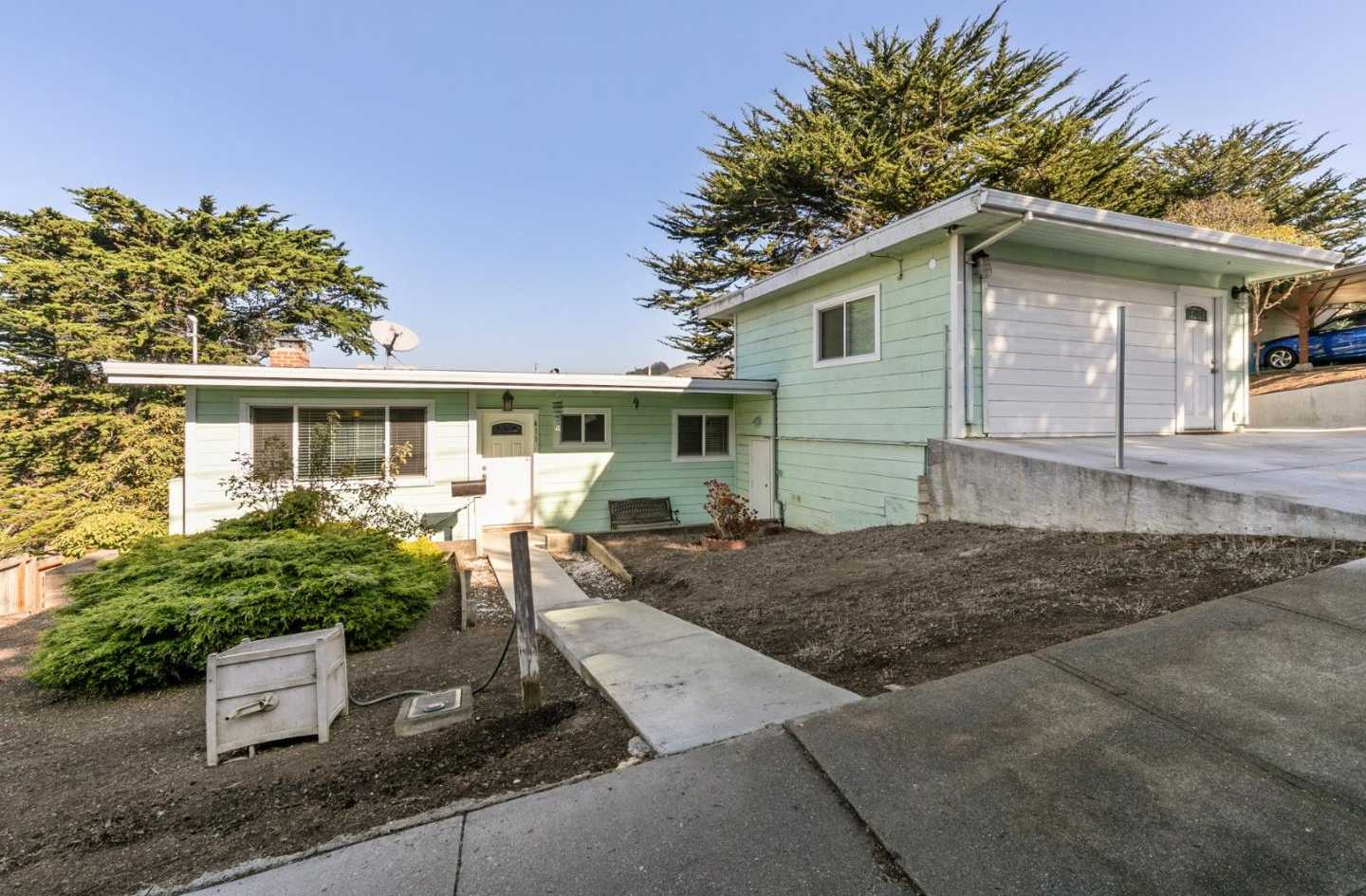$988,000 - 4Br/2Ba -  for Sale in Pacifica