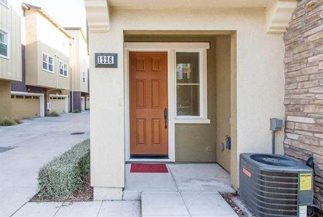 1226 Creekside Way Milpitas, CA 95035