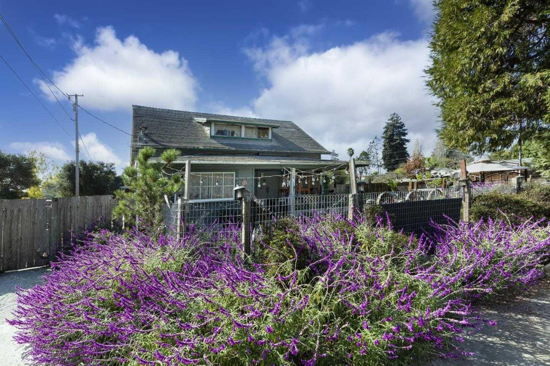$1,050,000 - 7Br/3Ba -  for Sale in Santa Cruz