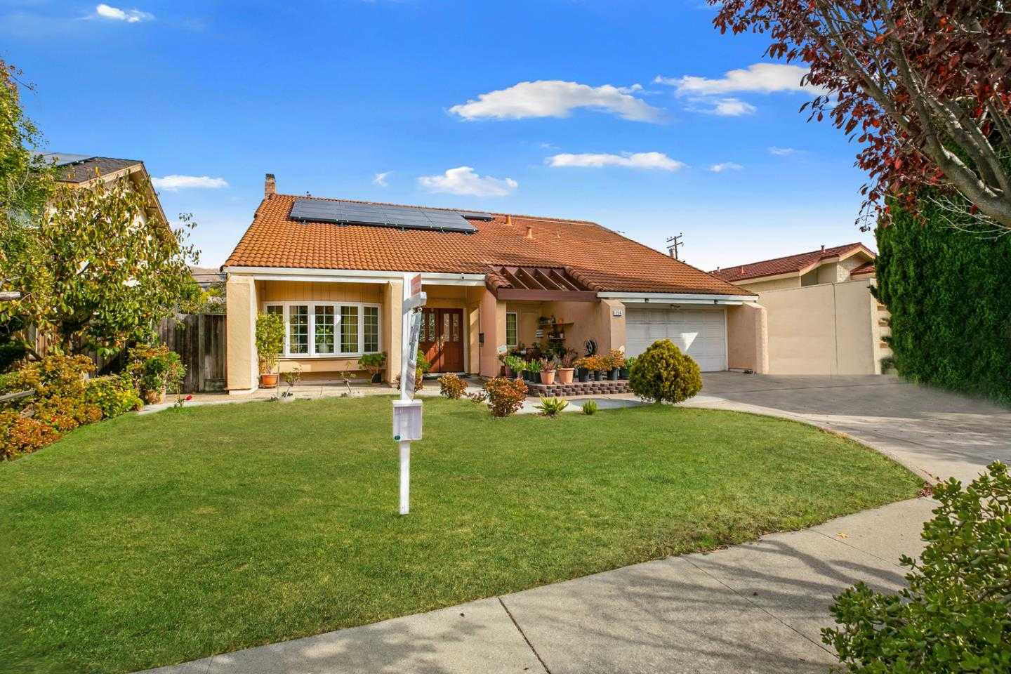 $1,298,888 - 5Br/3Ba -  for Sale in San Jose