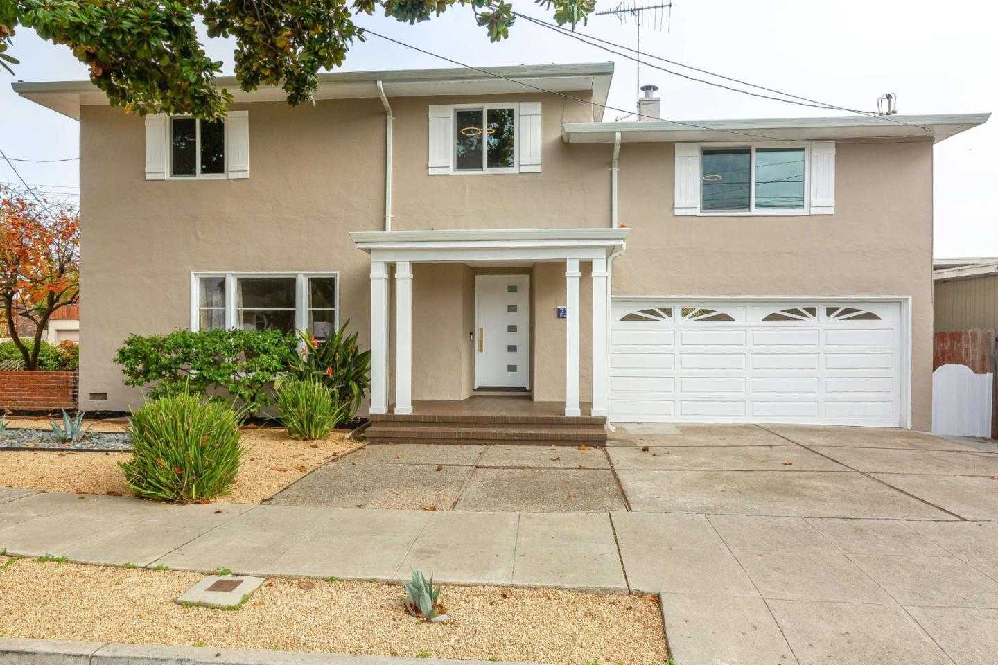 $2,899,999 - 6Br/3Ba -  for Sale in Burlingame