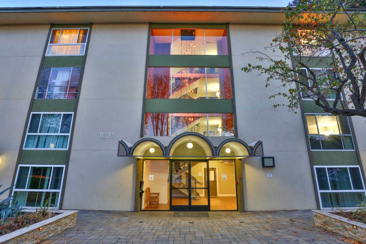 $599,000 - 1Br/1Ba -  for Sale in Mountain View